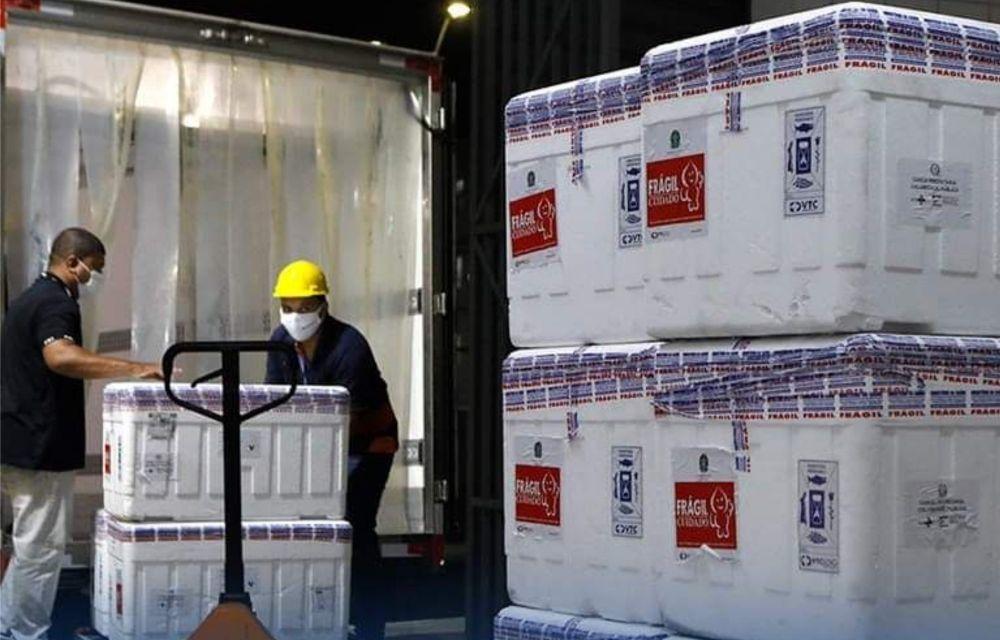 Pernambuco recebe mais 310 mil doses da Astrazeneca nesta segunda-feira