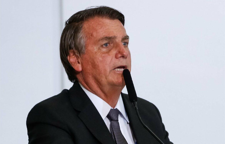 Bolsonaro anuncia Novo Bolsa Família de R$ 300,00