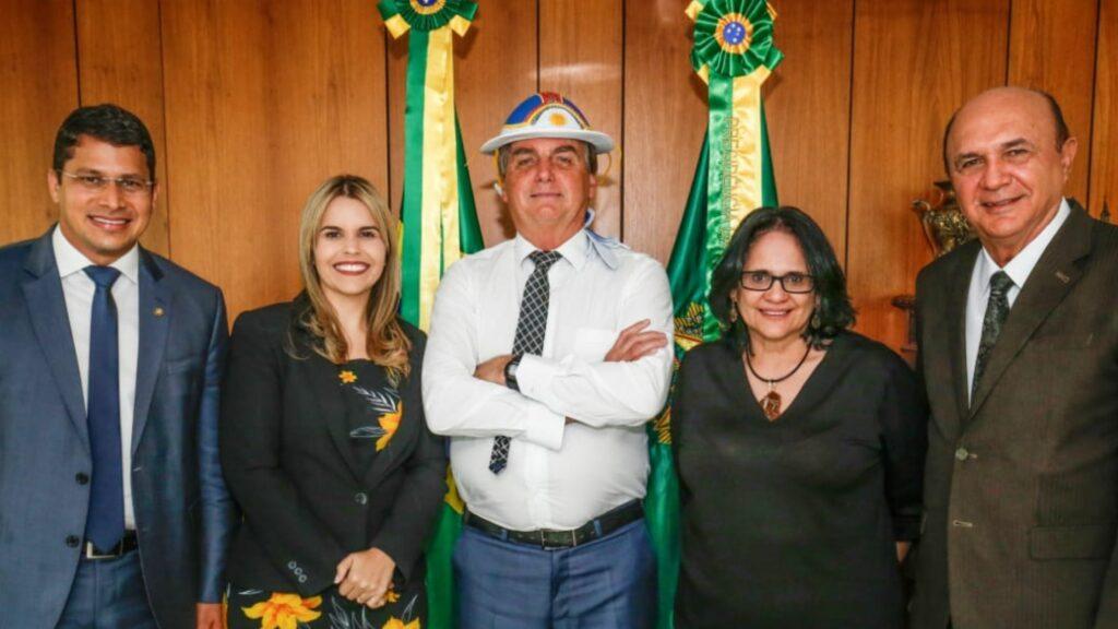 Clarissa Tércio reforça alinhamento com Bolsonaro em 2022