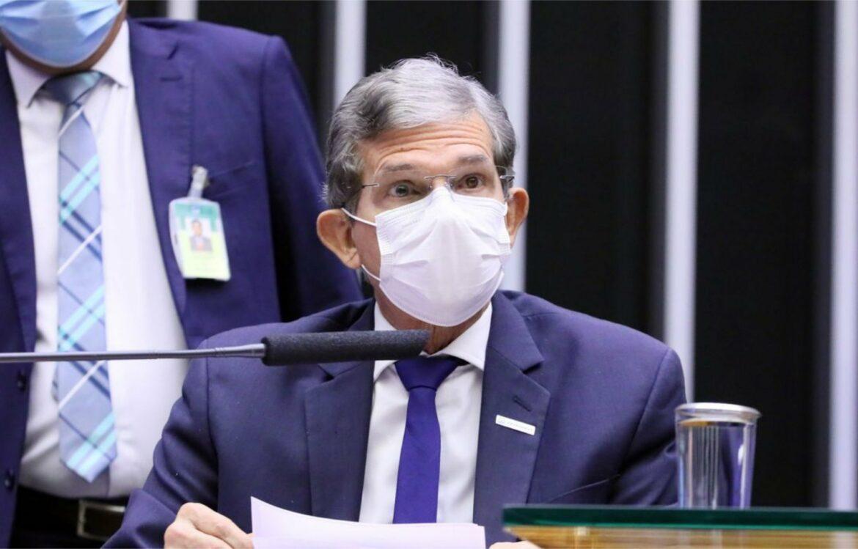 ICMS estadual é o imposto que mais pesa na gasolina, diz presidente da Petrobrás