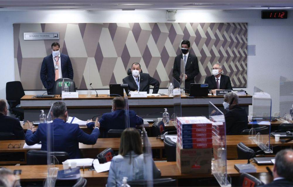 CPI: relatório de Renan Calheiros pede indiciamento de Bolsonaro e mais 67 pessoas
